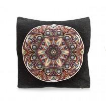Διακοσμητικο μαξιλαρι μαυρο με πολυχρωμο σχεδιο σε κυκλους 45x45cm